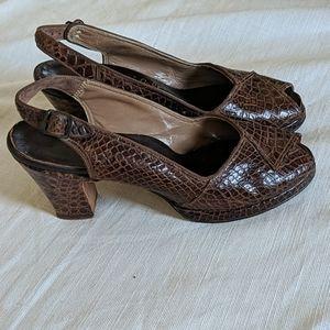 Vintage 40s crocodile skin platform peep toe heels